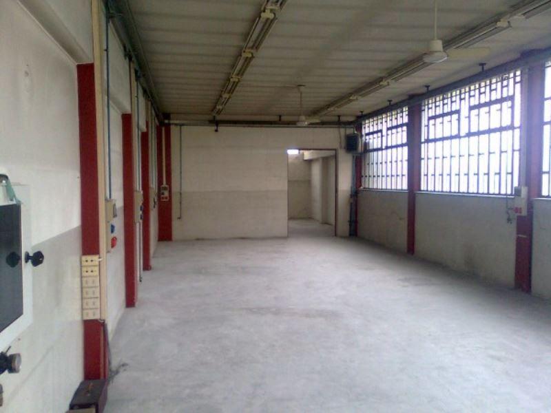 Capannone in affitto a Torino, 1 locali, zona Zona: 16 . Mirafiori, Centro Europa, Città Giardino, prezzo € 900 | Cambio Casa.it