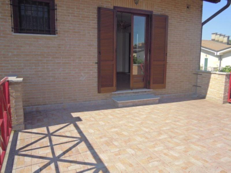 Villa in vendita a Caluso, 6 locali, prezzo € 235.000 | Cambio Casa.it