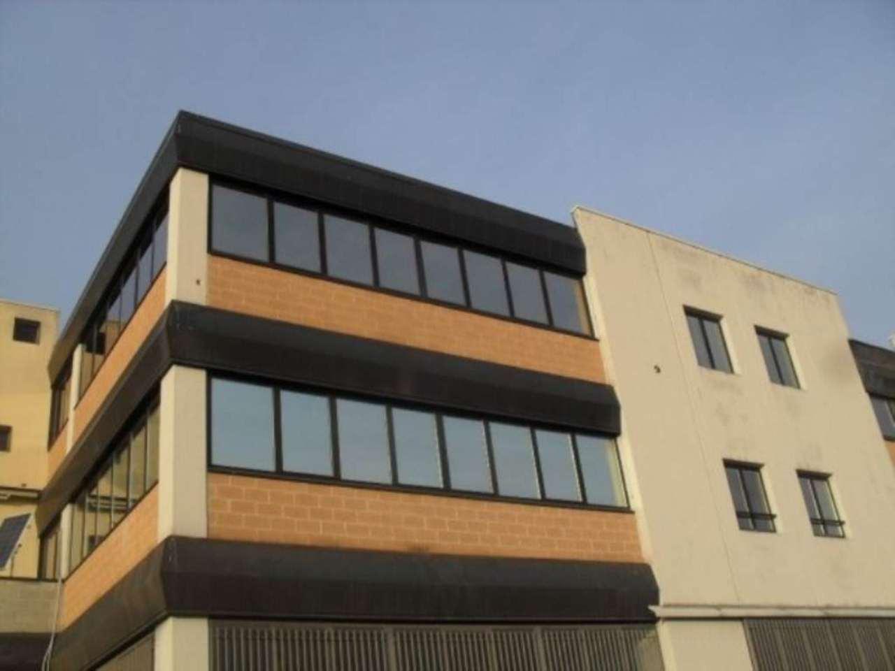 Ufficio / Studio in affitto a Muggiò, 6 locali, prezzo € 1.650 | Cambio Casa.it