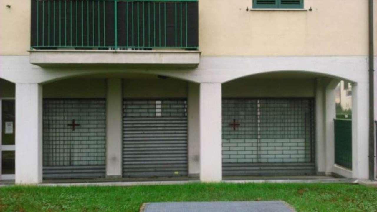Ufficio / Studio in affitto a Limbiate, 2 locali, prezzo € 450 | Cambio Casa.it