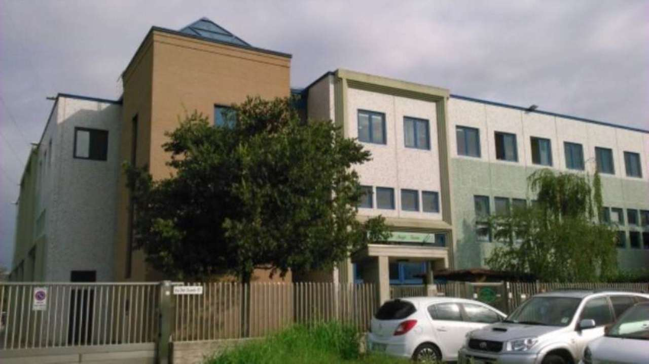Ufficio / Studio in affitto a Desio, 4 locali, prezzo € 700 | Cambio Casa.it