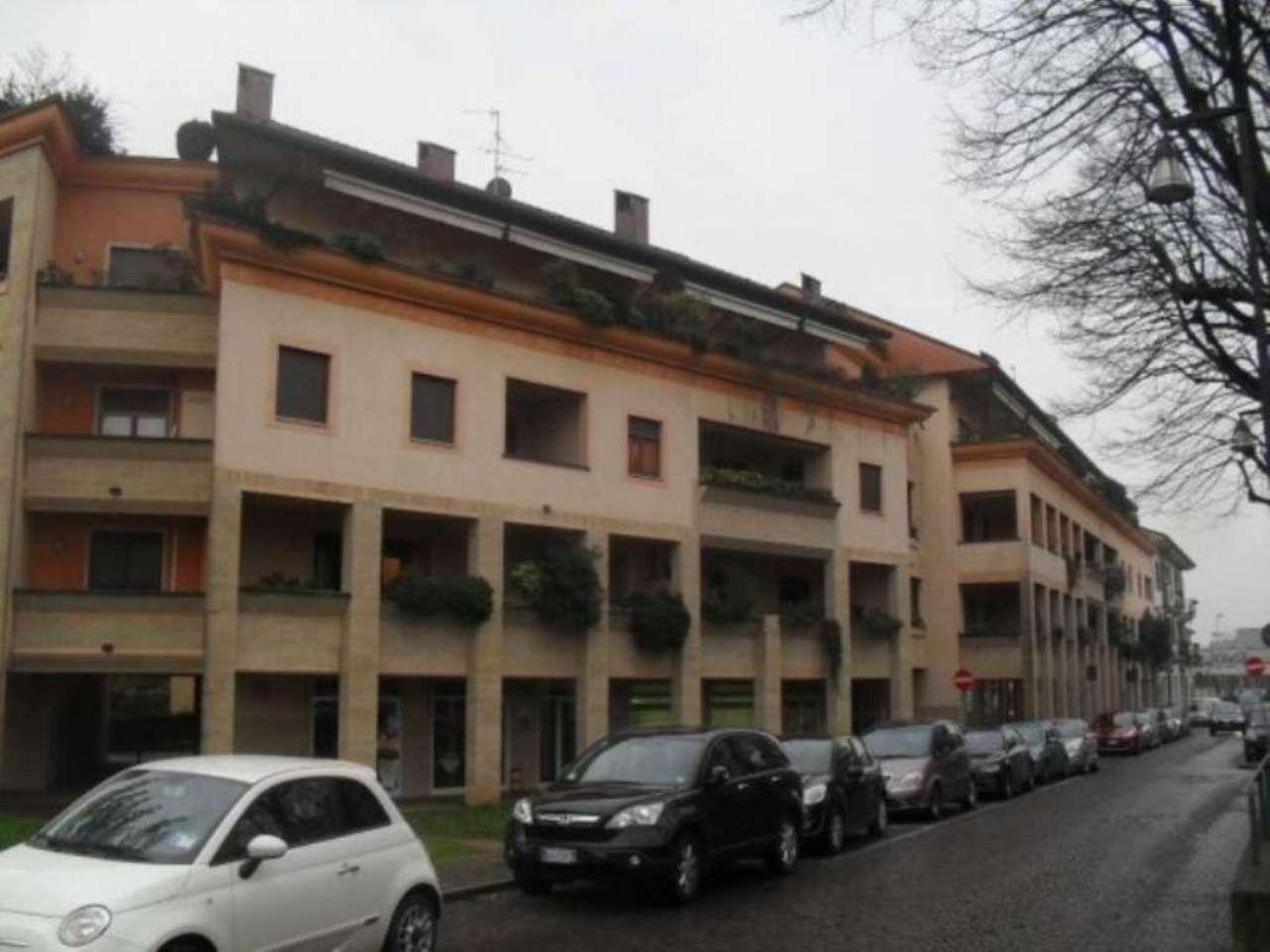 Negozio / Locale in vendita a Muggiò, 2 locali, prezzo € 75.000 | Cambio Casa.it