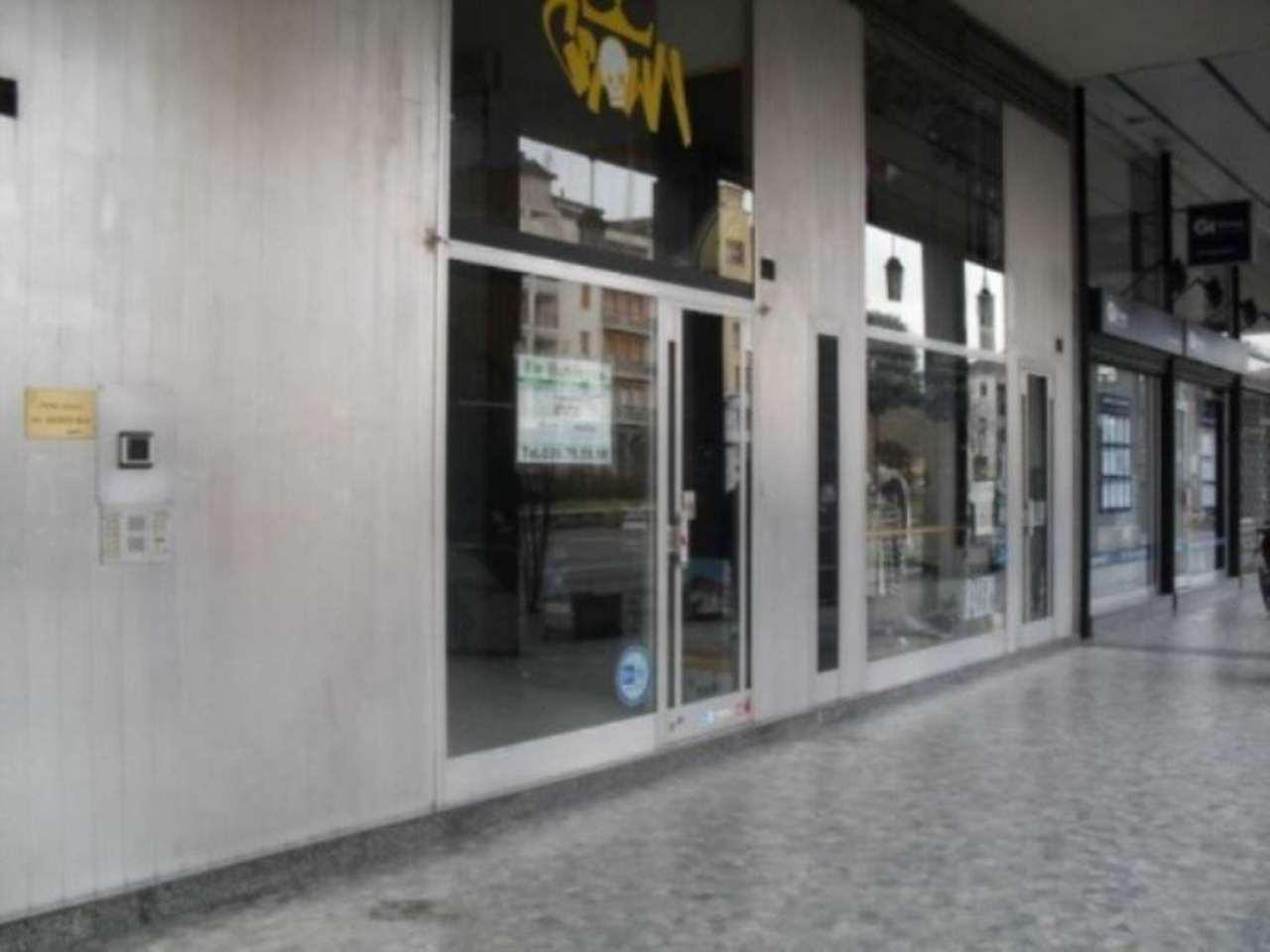 Negozio / Locale in affitto a Seregno, 2 locali, prezzo € 1.100 | Cambio Casa.it