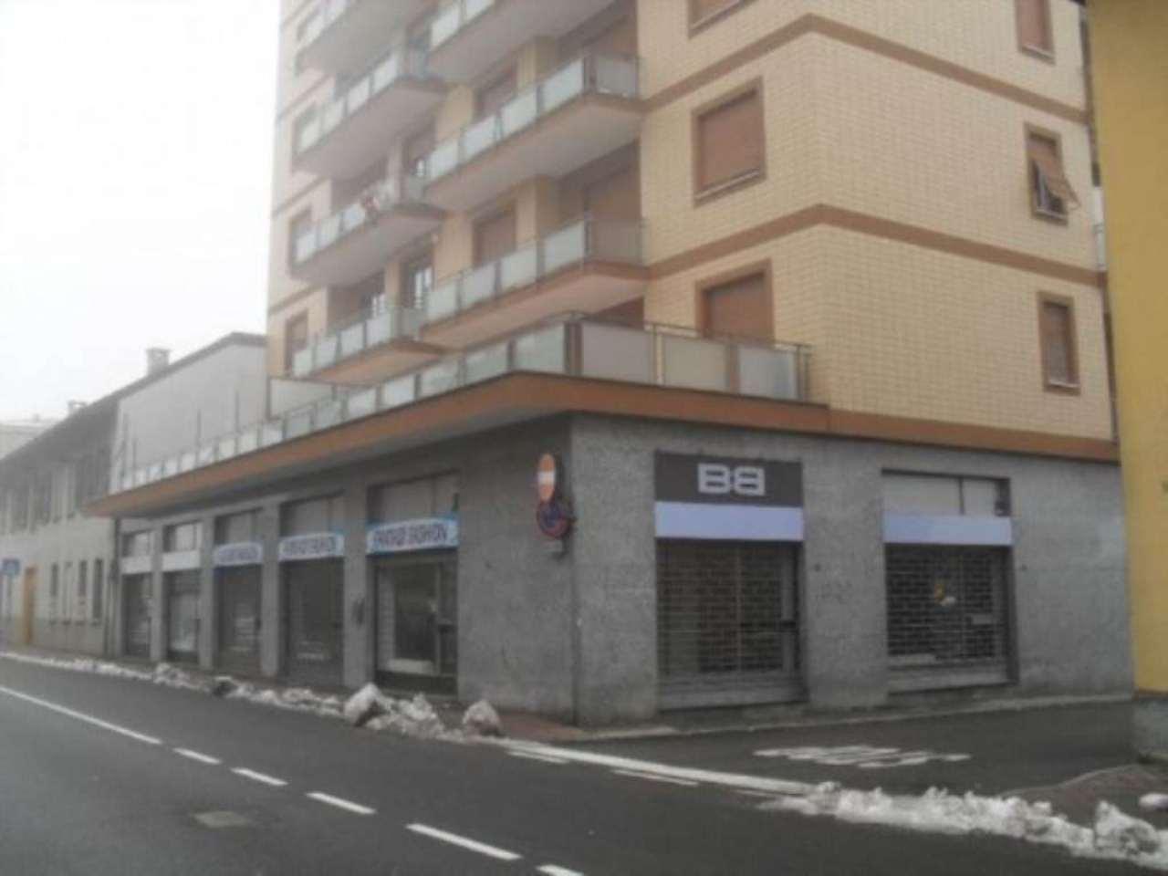 Negozio / Locale in affitto a Desio, 1 locali, prezzo € 1.100 | Cambio Casa.it