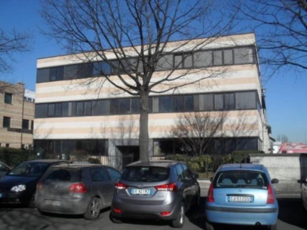 Ufficio / Studio in affitto a Nova Milanese, 3 locali, prezzo € 900 | CambioCasa.it