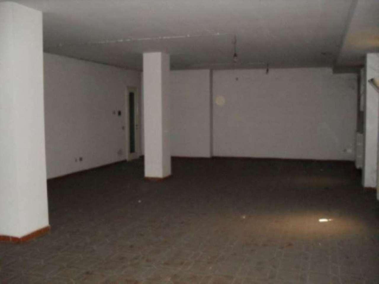Laboratorio in affitto a Muggiò, 1 locali, prezzo € 500 | Cambio Casa.it