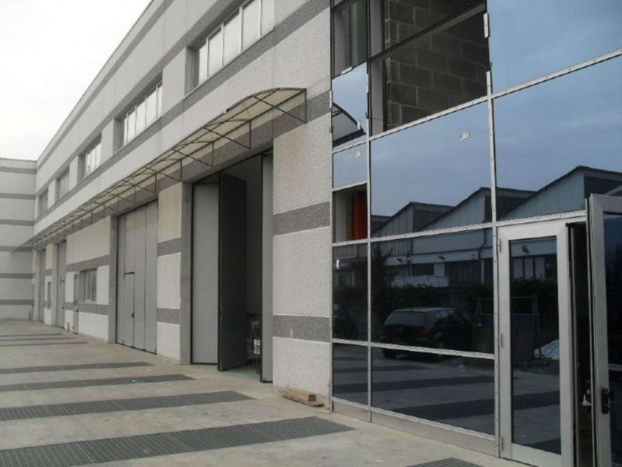 Ufficio / Studio in affitto a Desio, 2 locali, prezzo € 1.600 | Cambio Casa.it