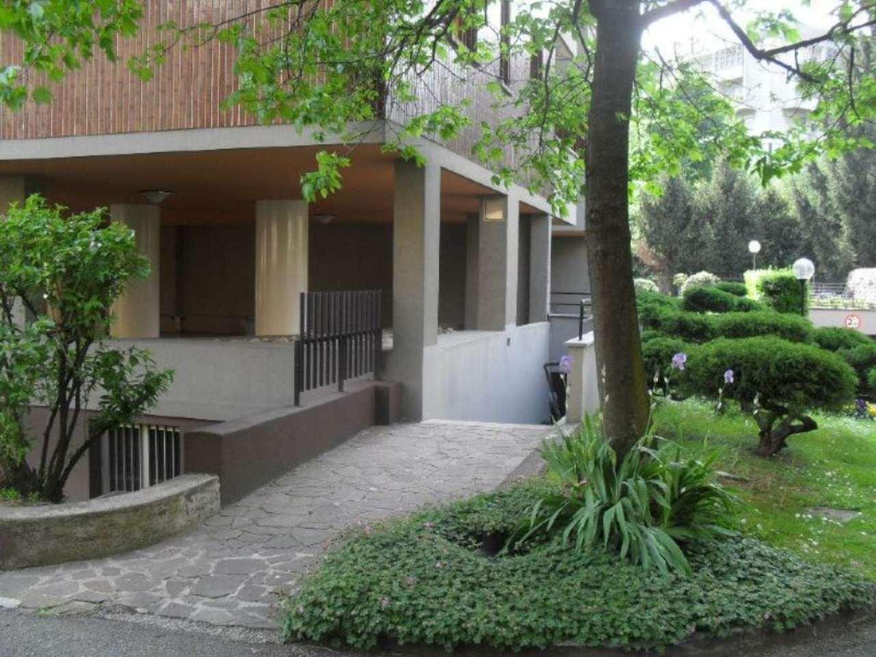 Magazzino in affitto a Monza, 2 locali, zona Zona: 6 . Triante, San Fruttuoso, Taccona, prezzo € 400 | CambioCasa.it