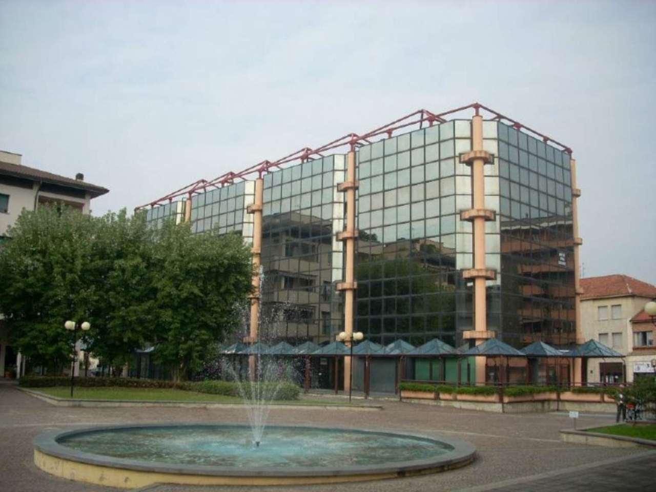 Ufficio / Studio in affitto a Lissone, 6 locali, prezzo € 1.200   Cambio Casa.it