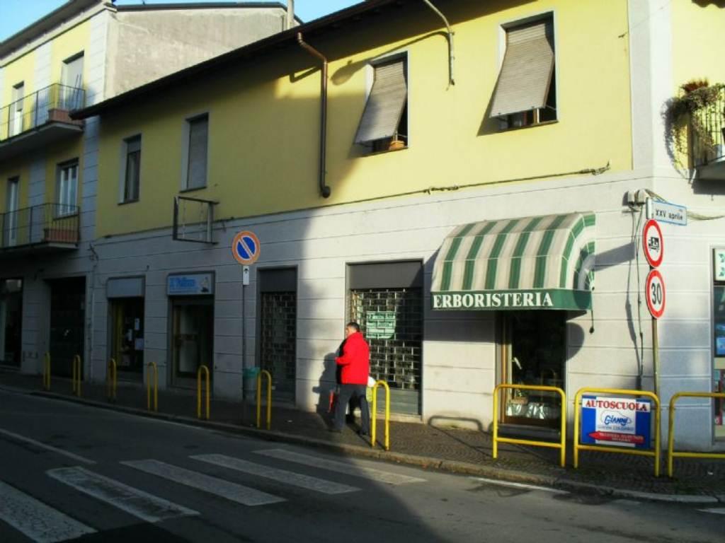 Negozio / Locale in affitto a Muggiò, 2 locali, prezzo € 650 | Cambio Casa.it