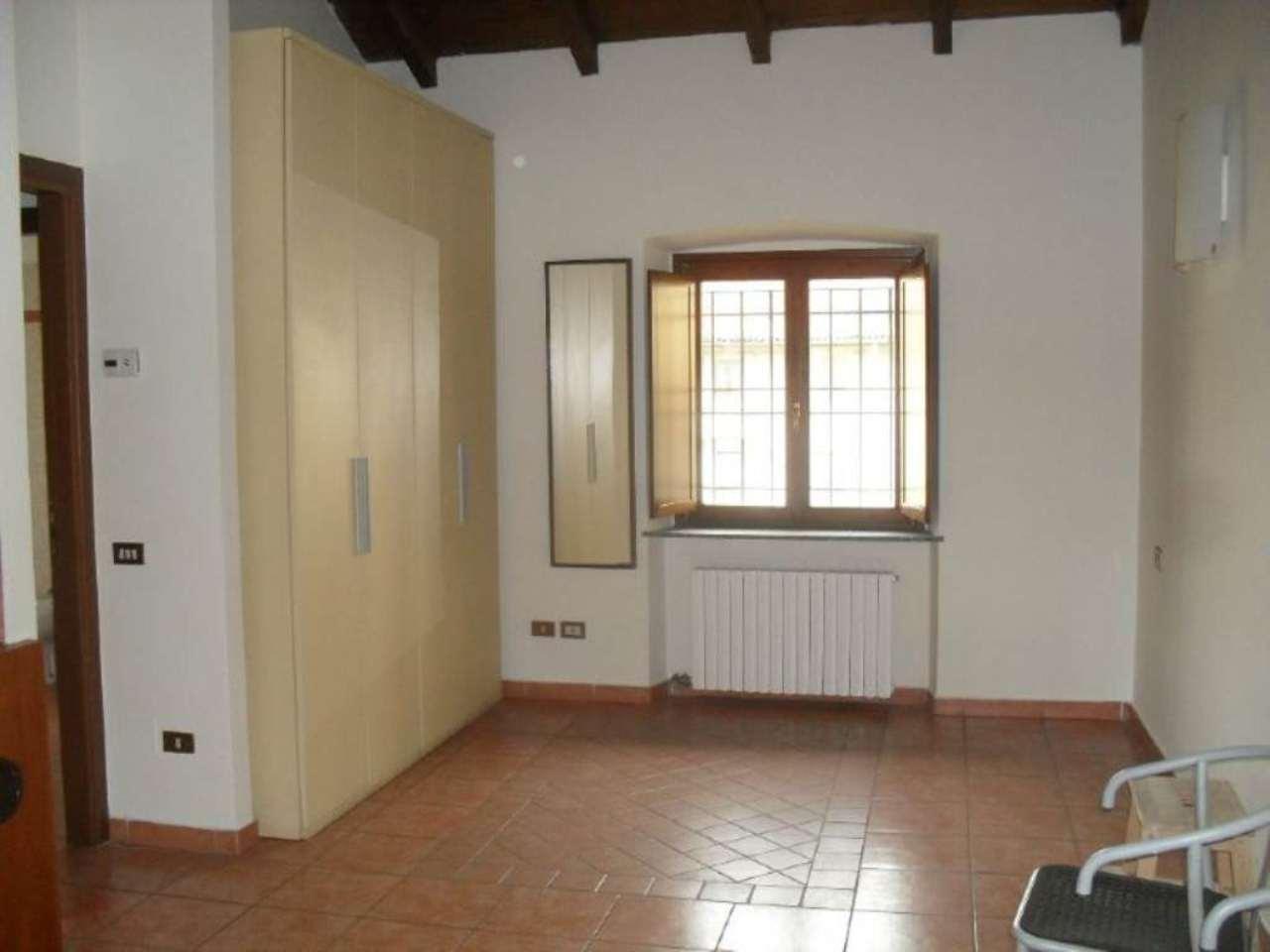 Appartamento in affitto a Muggiò, 2 locali, prezzo € 500 | Cambio Casa.it