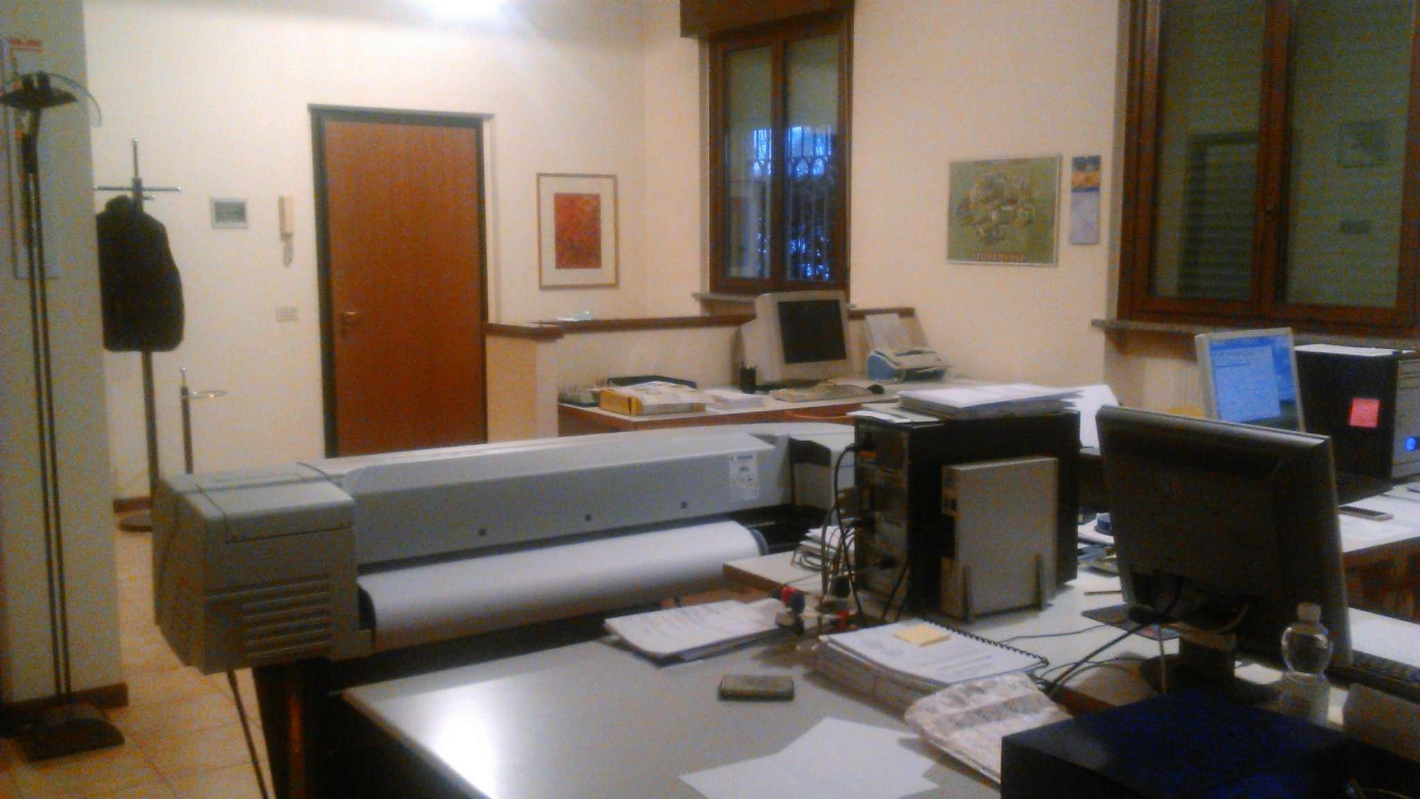 Ufficio / Studio in affitto a Nova Milanese, 2 locali, prezzo € 600 | CambioCasa.it