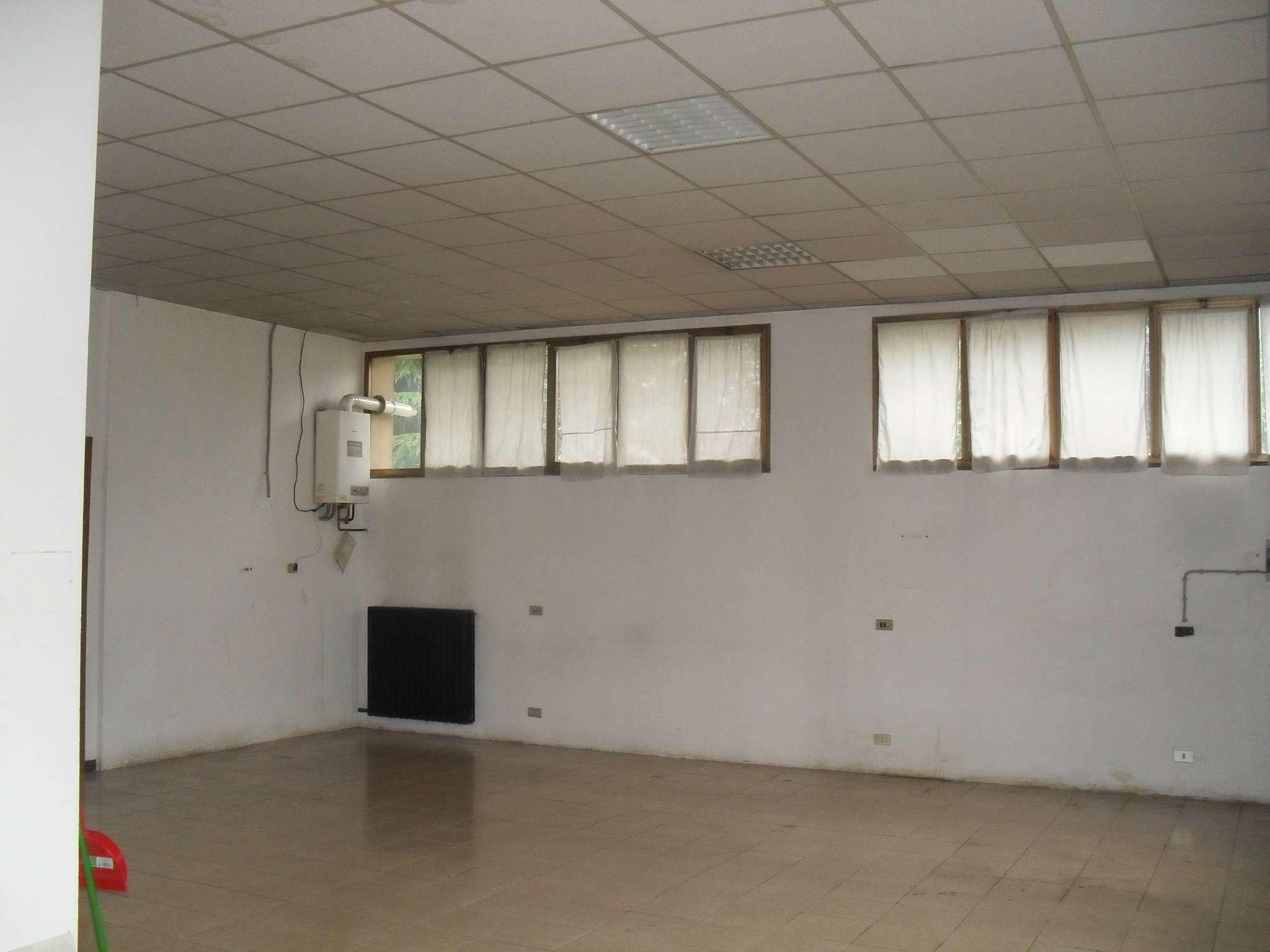 Laboratorio in affitto a Lissone, 2 locali, prezzo € 580 | Cambio Casa.it