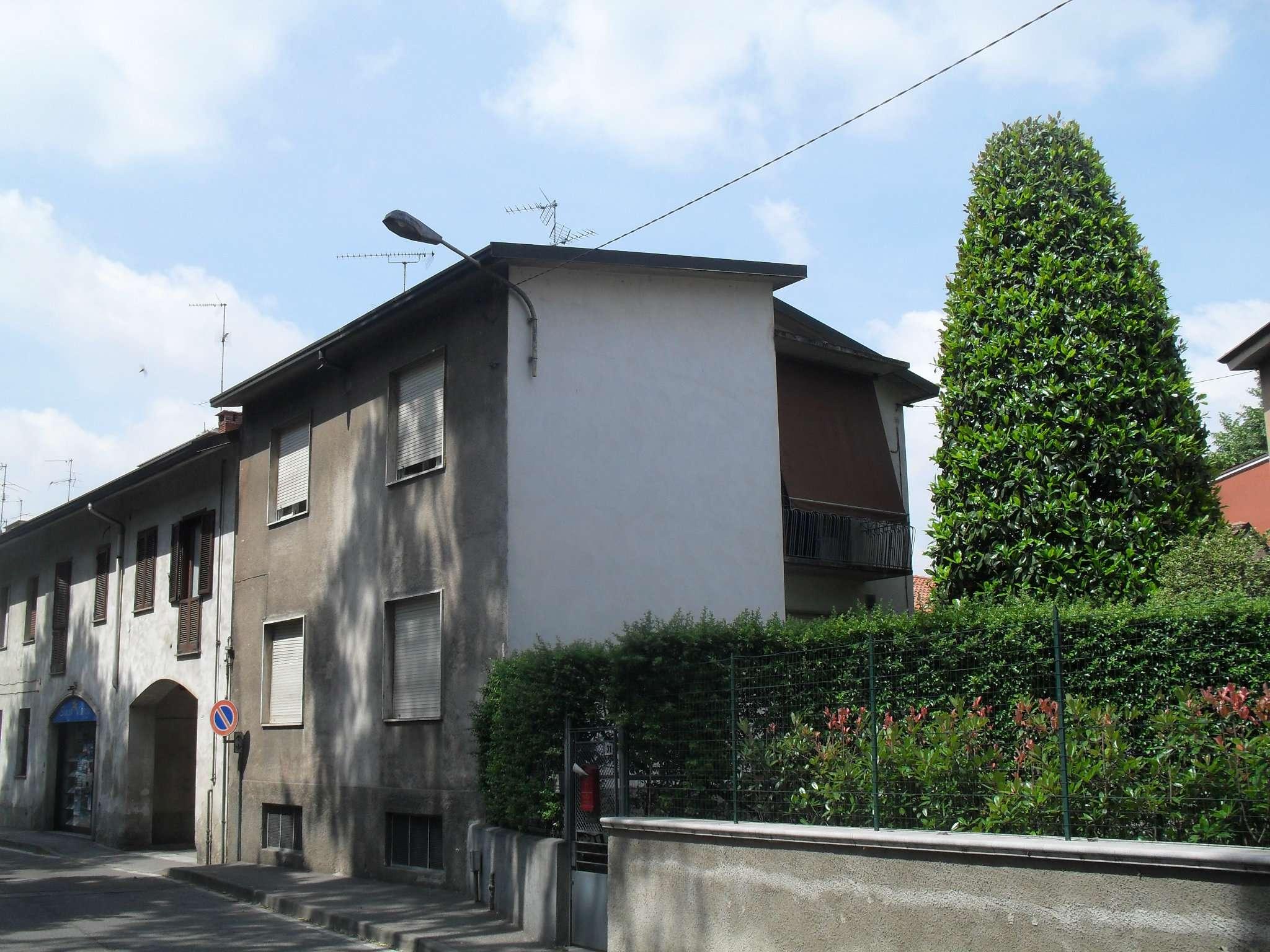 Ufficio / Studio in affitto a Muggiò, 3 locali, prezzo € 430 | CambioCasa.it