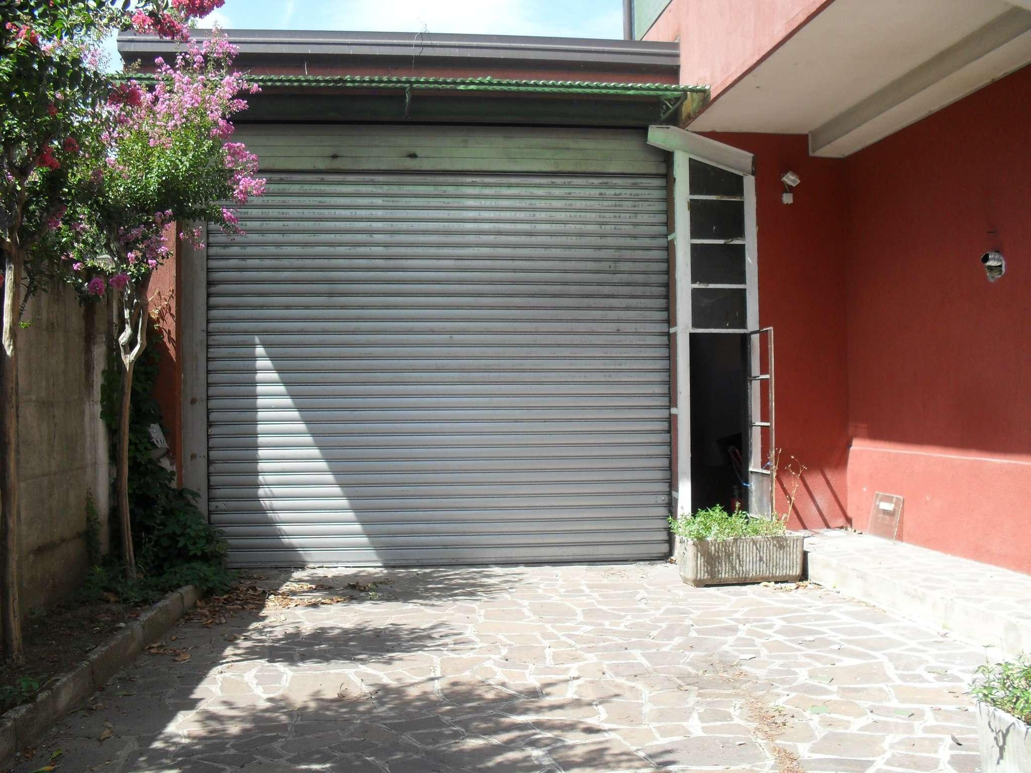 Altro in affitto a Muggiò, 2 locali, prezzo € 1.000 | CambioCasa.it