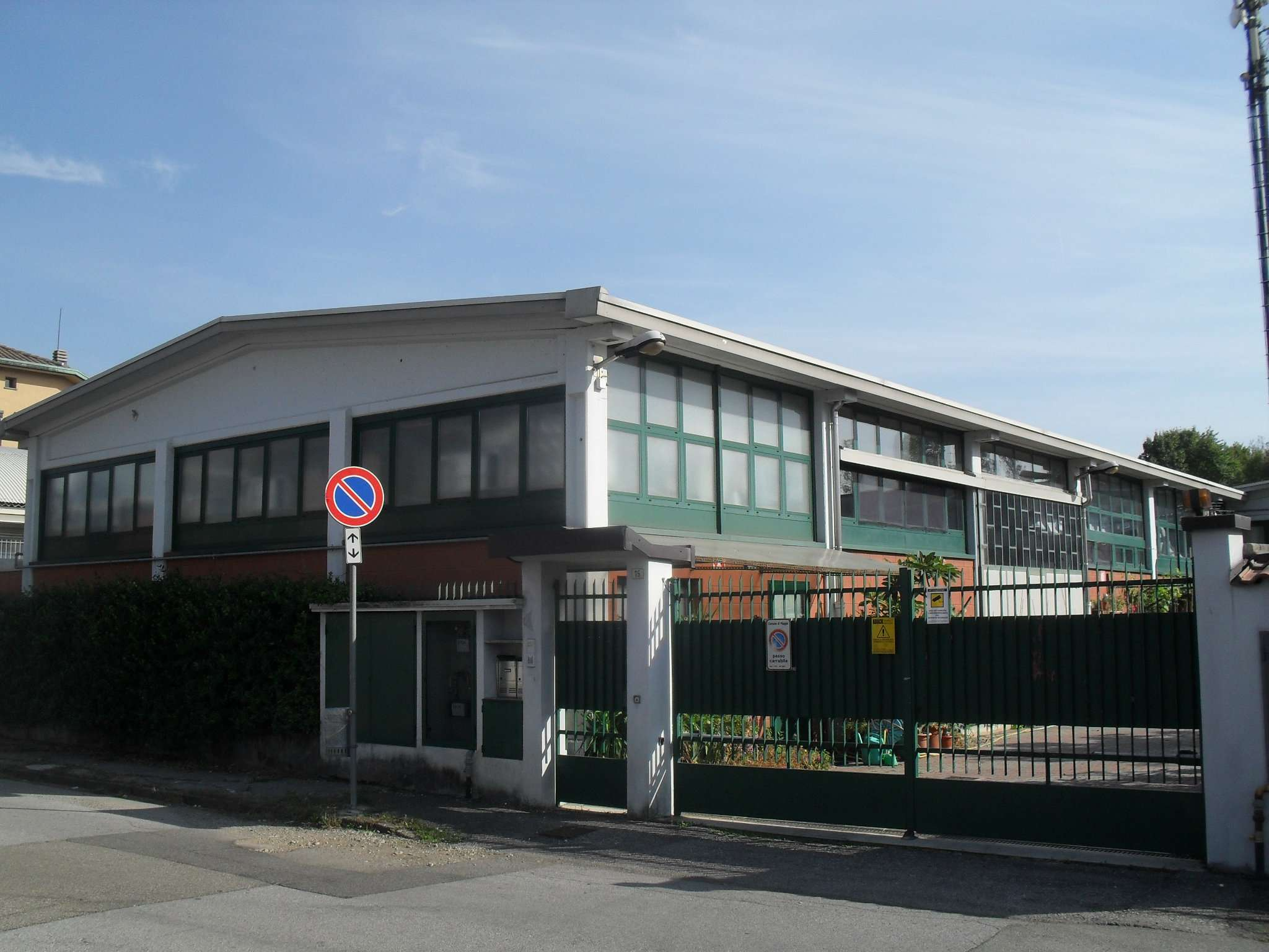 Capannone in vendita a Muggiò, 2 locali, prezzo € 450.000 | CambioCasa.it