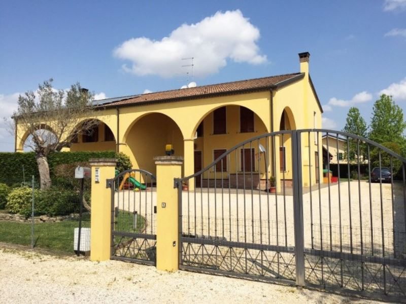 Villa in Vendita a Legnaro