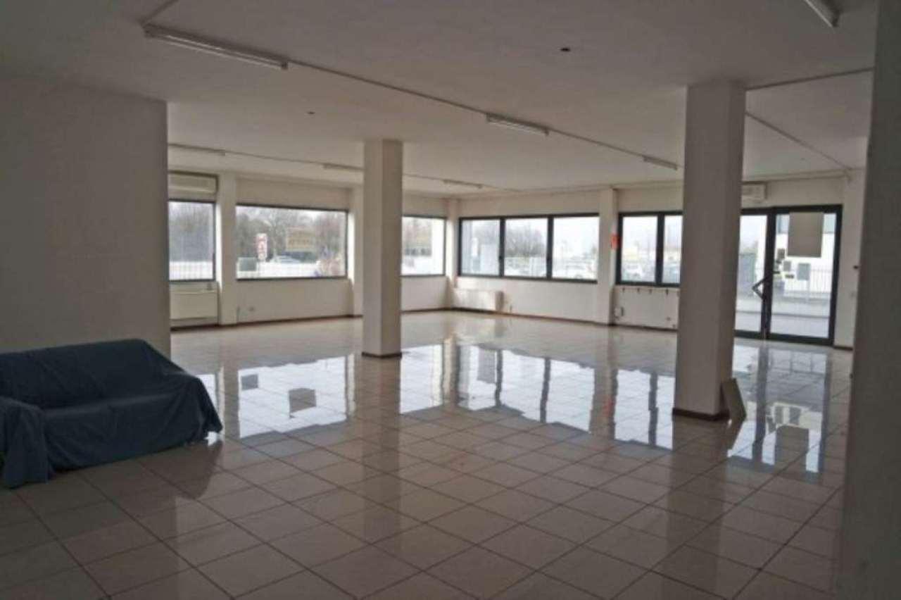 Negozio / Locale in affitto a Legnaro, 2 locali, prezzo € 1.500 | Cambio Casa.it