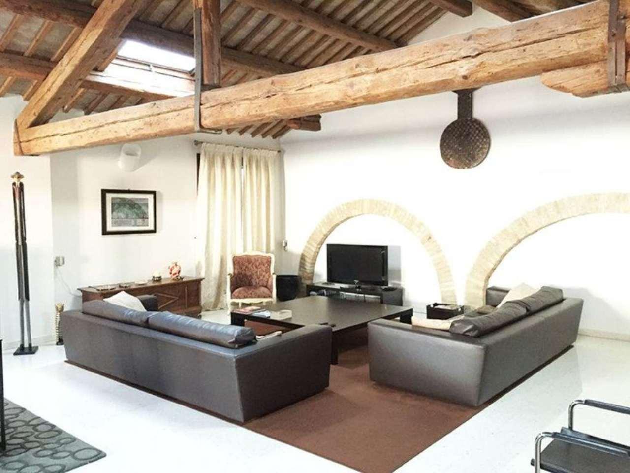 Villa in vendita a Piove di Sacco, 8 locali, prezzo € 550.000 | Cambio Casa.it