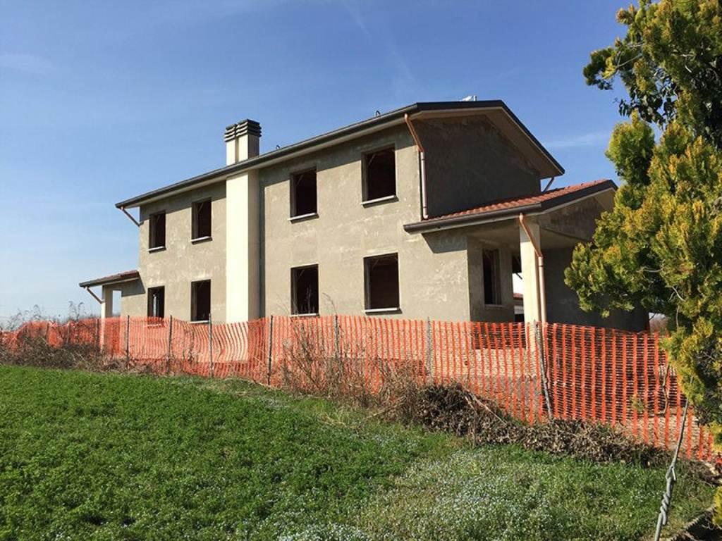 Villa Bifamiliare in vendita a Saonara, 8 locali, prezzo € 145.000 | Cambio Casa.it