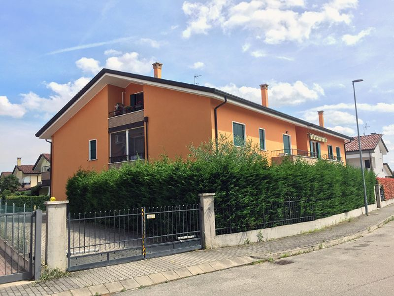 Appartamento in vendita a Legnaro, 2 locali, prezzo € 105.000 | Cambio Casa.it