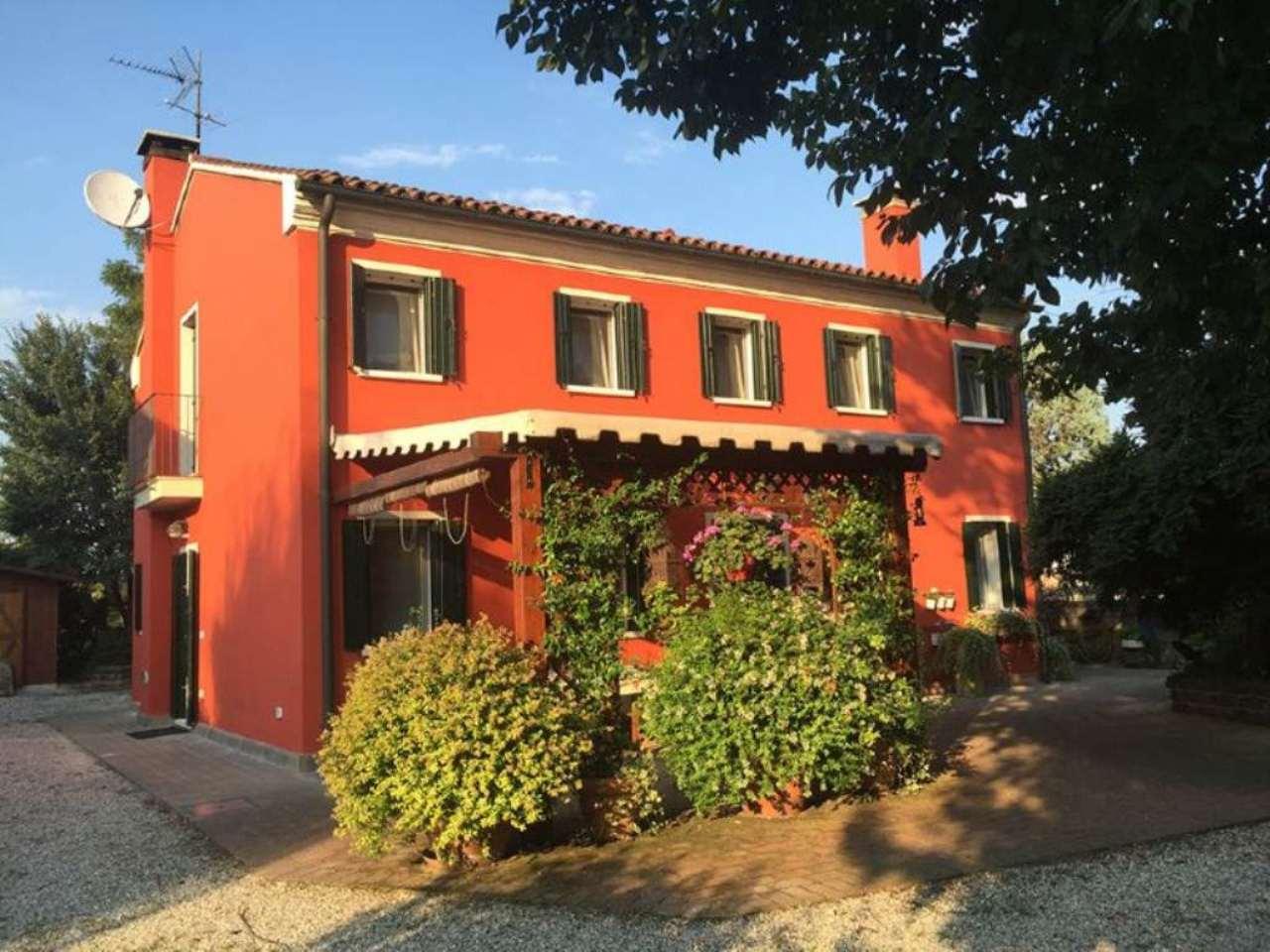 Soluzione Indipendente in vendita a Bovolenta, 7 locali, prezzo € 280.000 | Cambio Casa.it