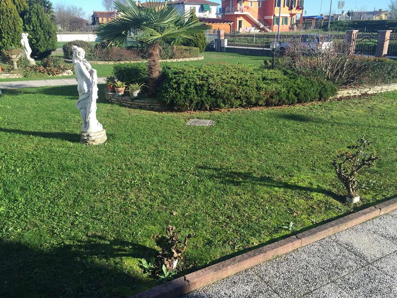 Villa in vendita a Camponogara, 6 locali, prezzo € 239.000 | Cambio Casa.it