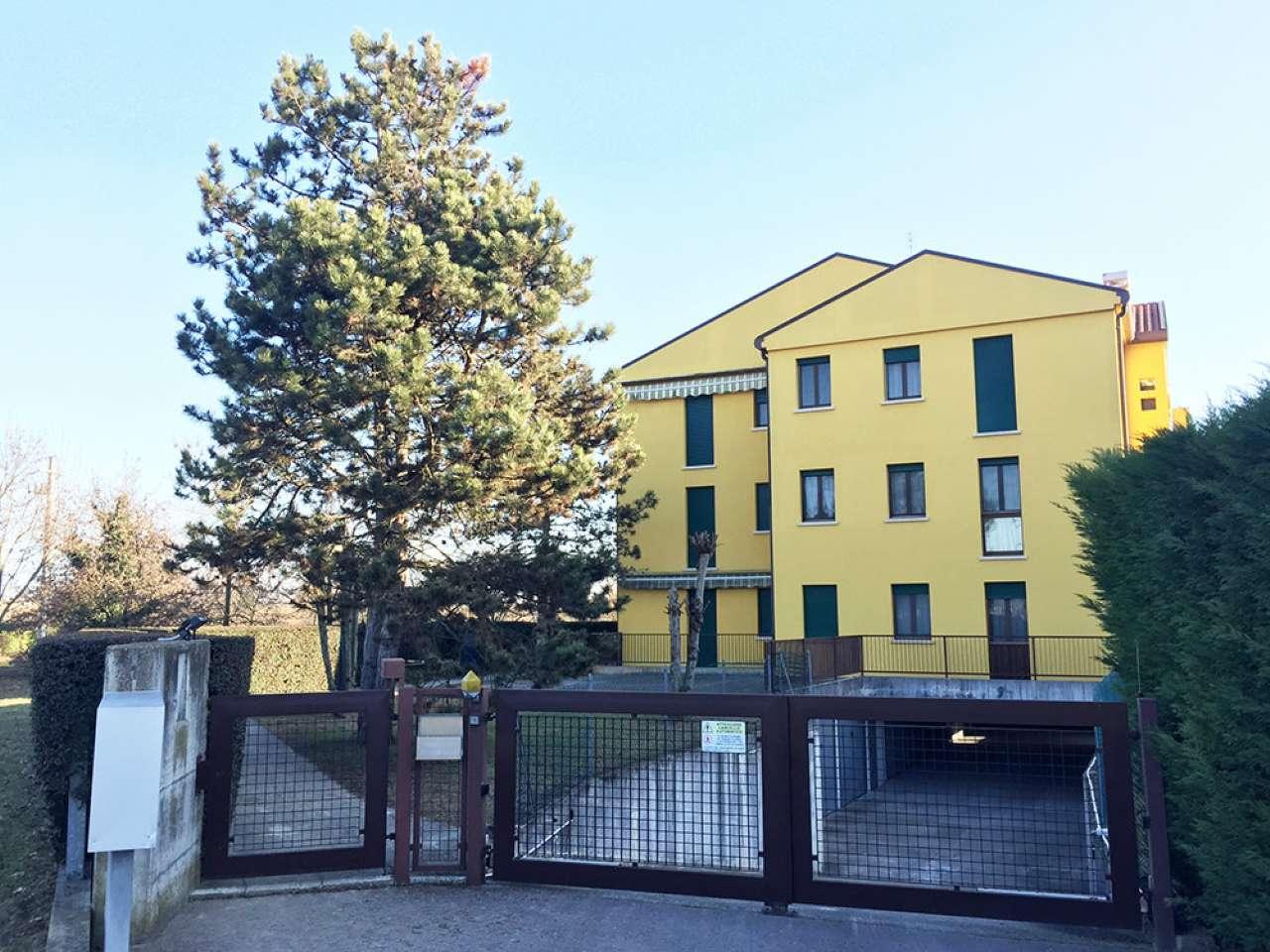 Appartamento in vendita a Ponte San Nicolò, 4 locali, prezzo € 118.000 | CambioCasa.it