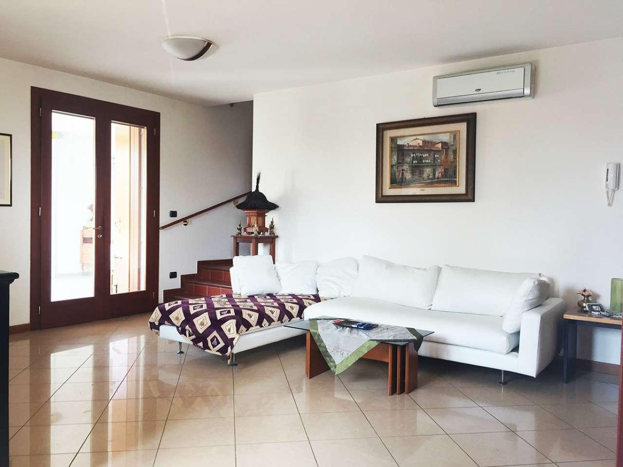 Soluzione Indipendente in vendita a Legnaro, 5 locali, prezzo € 270.000 | CambioCasa.it