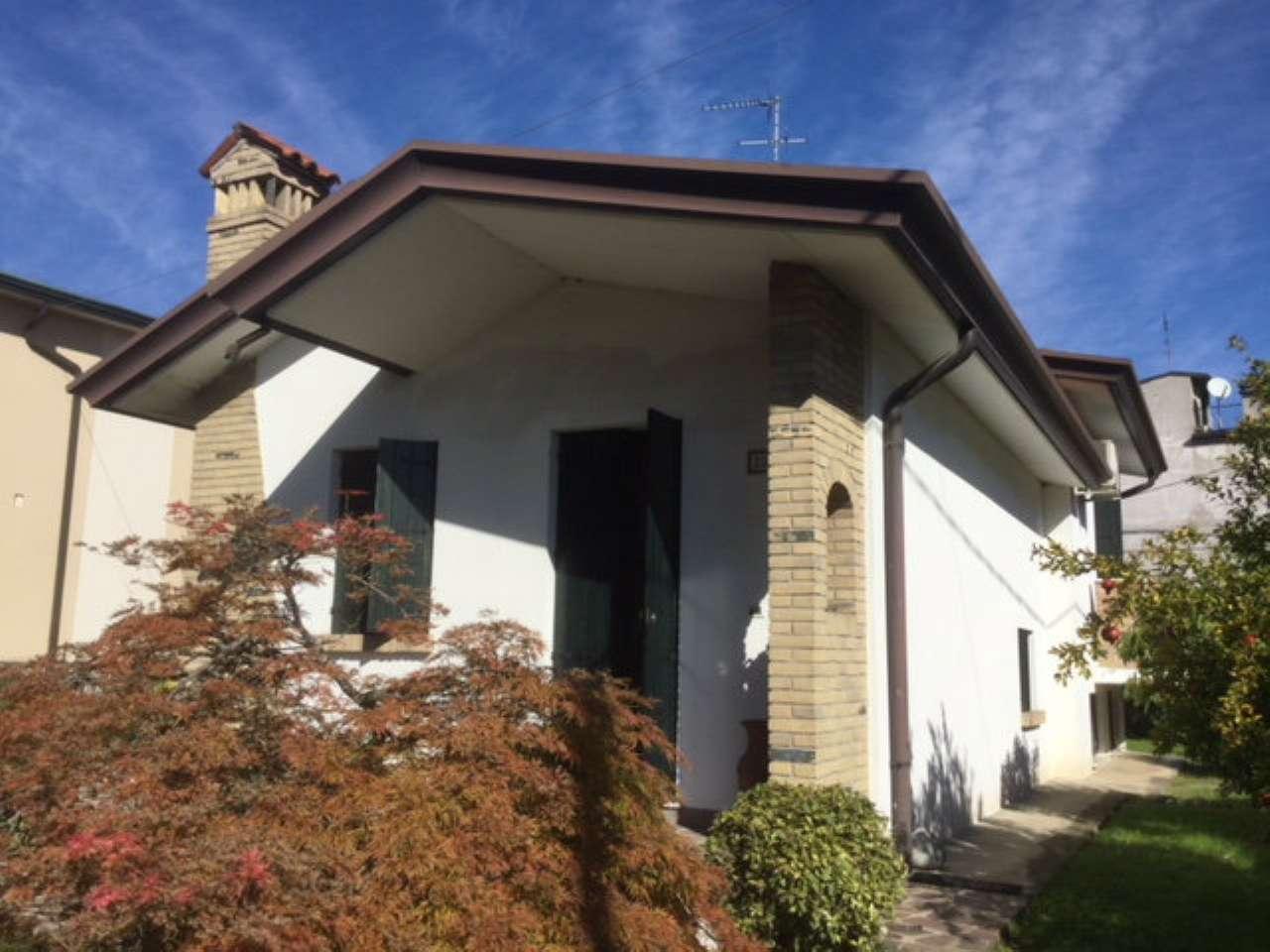 Villa in vendita a Legnaro, 4 locali, prezzo € 189.000 | CambioCasa.it