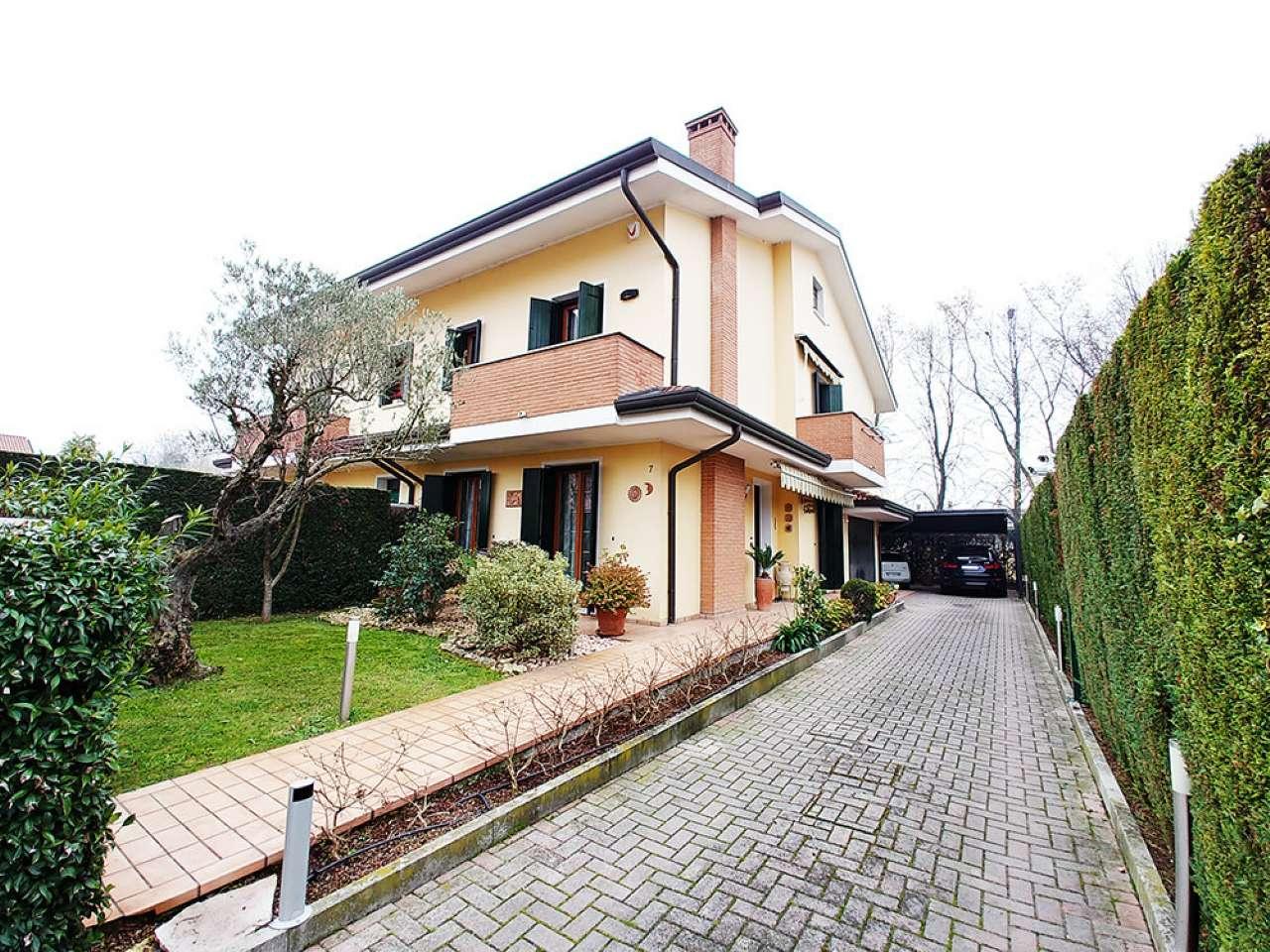 Villa Bifamiliare in Vendita a Sant'Angelo di Piove di Sacco