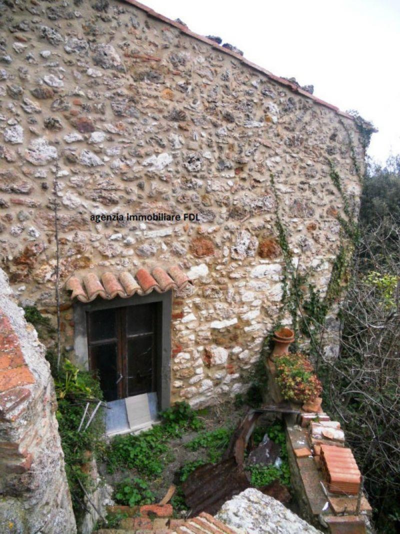 Palazzo / Stabile in vendita a Montecatini Val di Cecina, 4 locali, prezzo € 85.000 | Cambio Casa.it