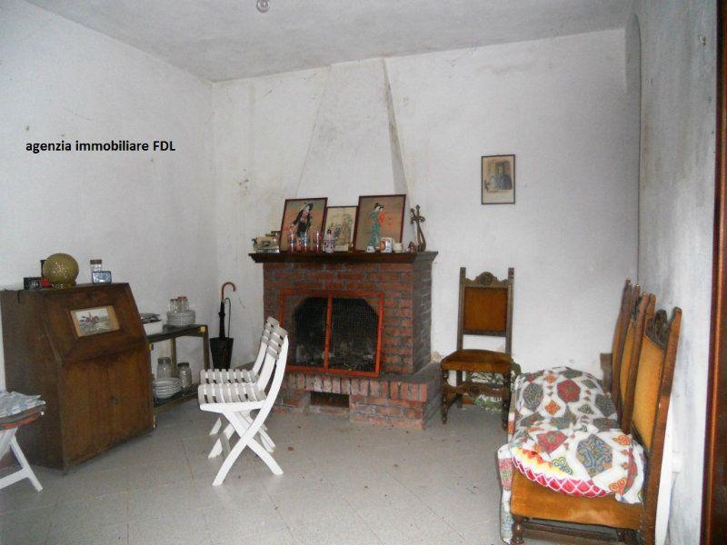 Palazzo / Stabile in vendita a Montecatini Val di Cecina, 6 locali, prezzo € 85.000 | Cambio Casa.it