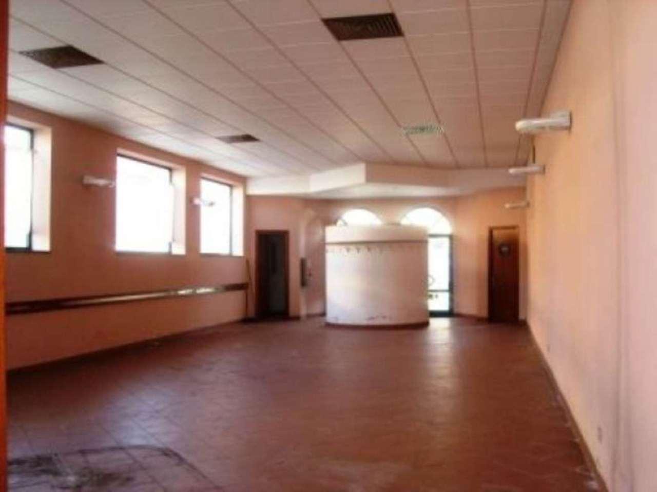 Immobile Commerciale in vendita a Ponsacco, 7 locali, prezzo € 220.000 | Cambio Casa.it