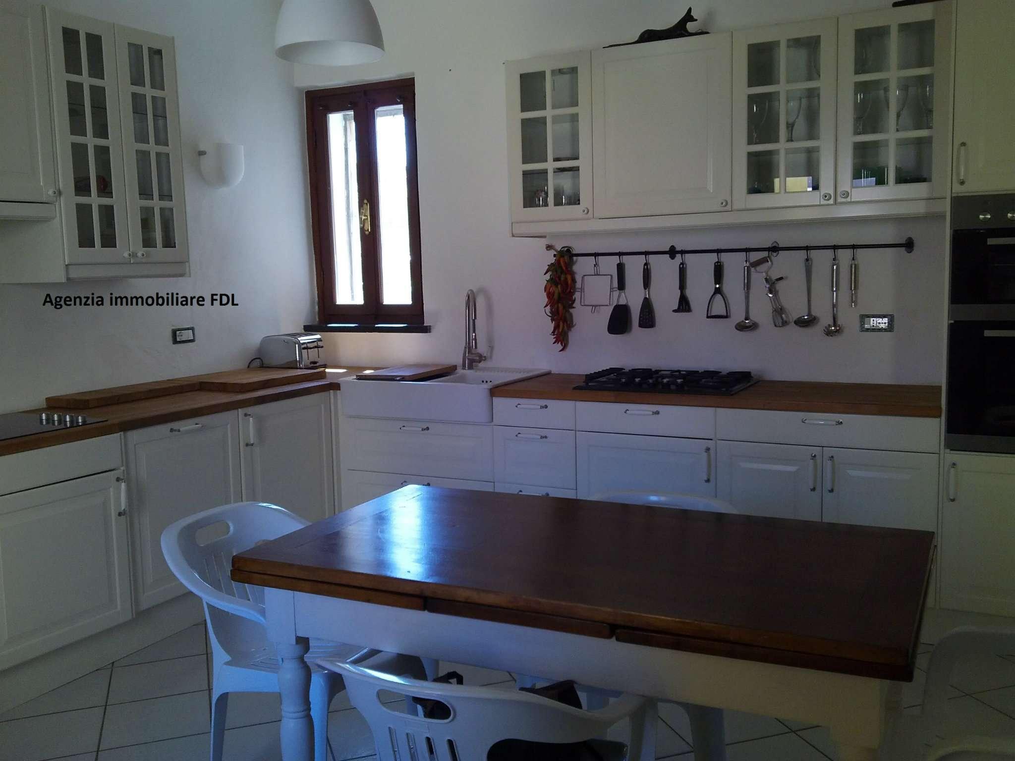 Palazzo / Stabile in vendita a Casciana Terme Lari, 8 locali, prezzo € 145.000 | CambioCasa.it