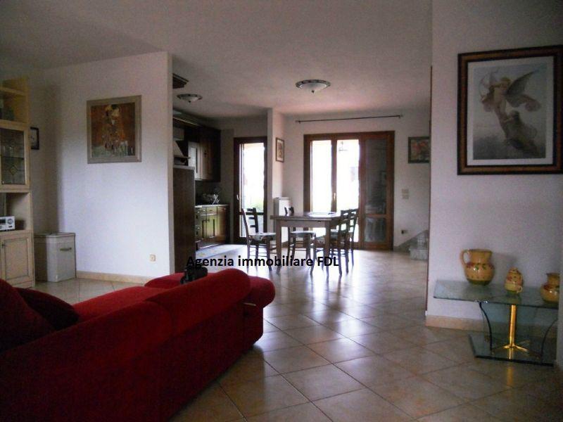 Palazzo / Stabile in vendita a San Miniato, 9 locali, prezzo € 270.000 | Cambio Casa.it