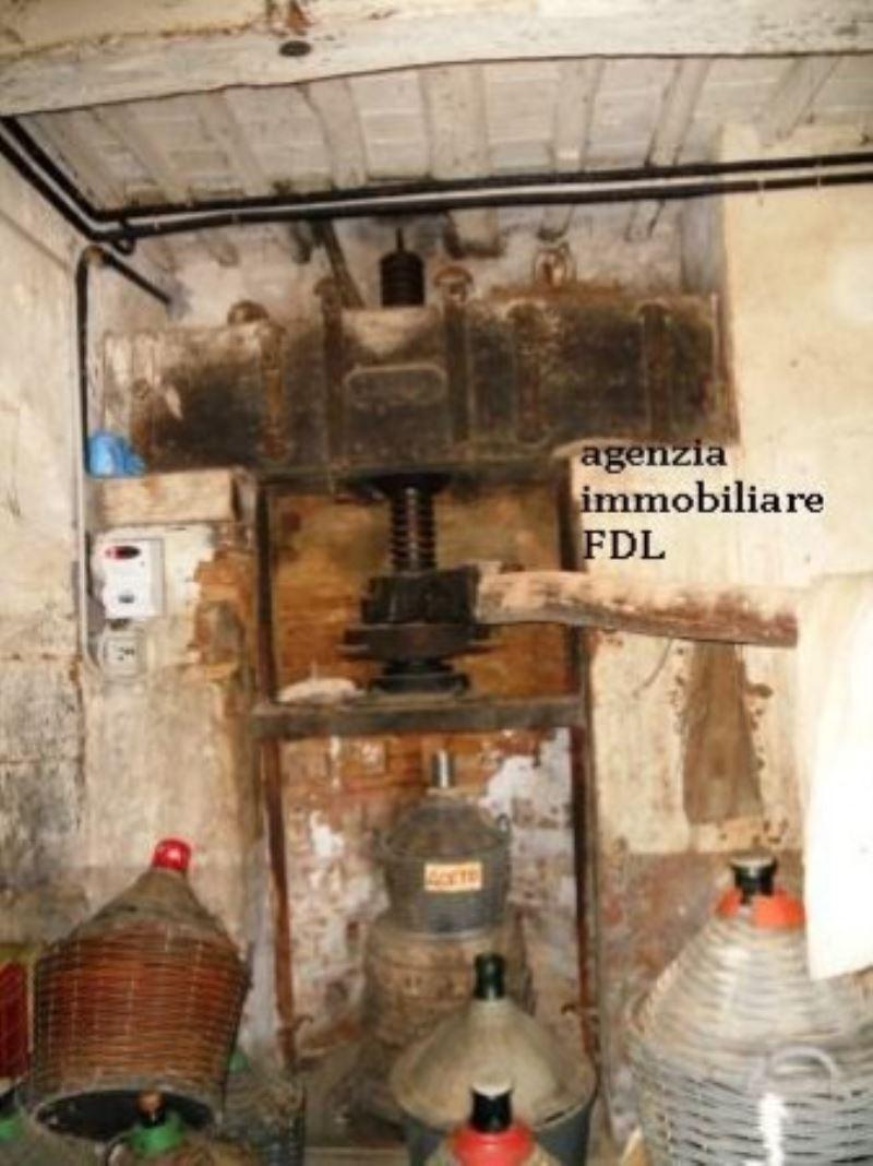 Soluzione Indipendente in vendita a Chianni, 6 locali, prezzo € 90.000 | Cambio Casa.it