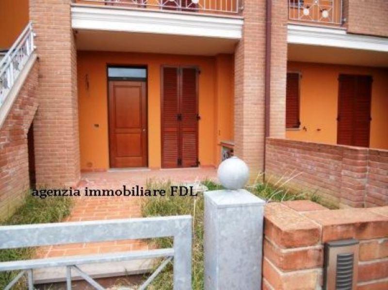 Appartamento in vendita a Peccioli, 6 locali, prezzo € 195.000 | Cambio Casa.it