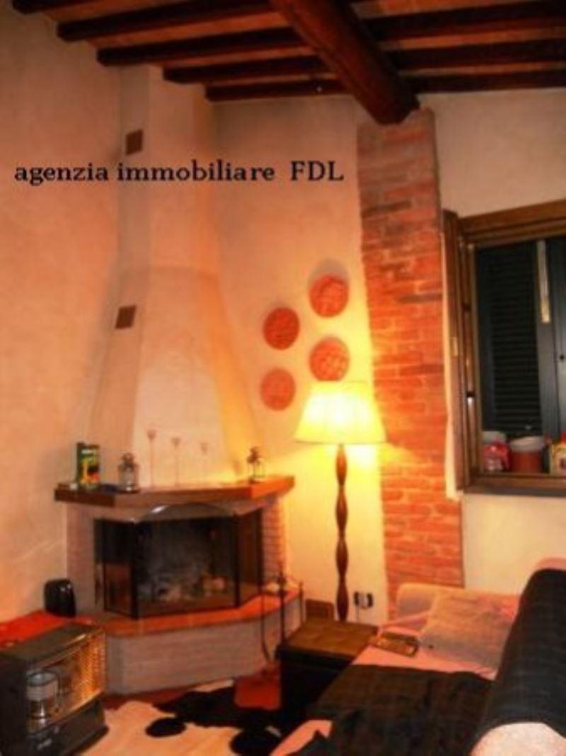 Appartamento in vendita a Palaia, 4 locali, prezzo € 125.000 | Cambio Casa.it
