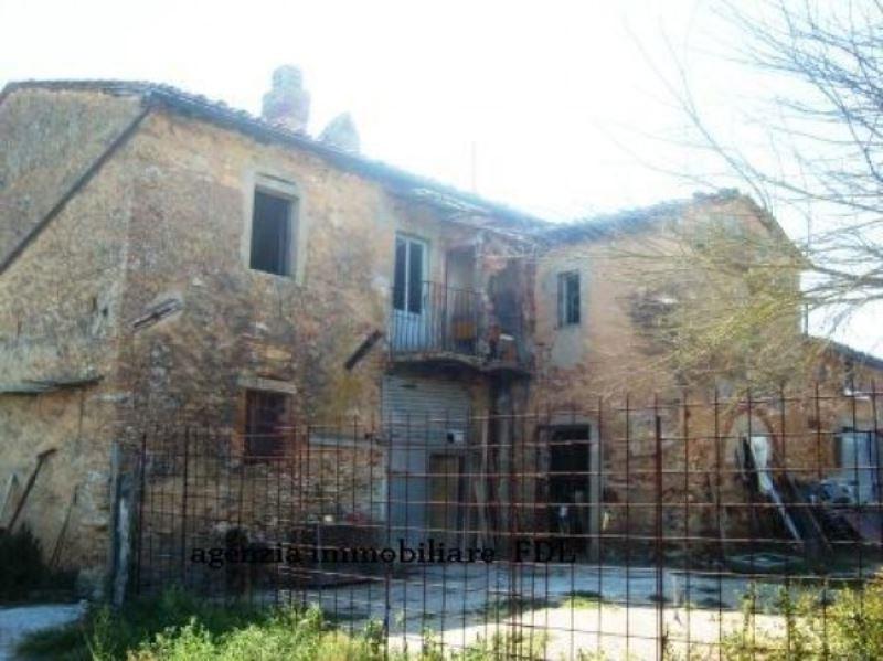 Attività / Licenza in vendita a Casciana Terme Lari, 6 locali, Trattative riservate | Cambio Casa.it