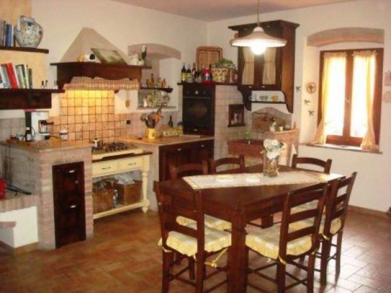 Villa a Schiera in vendita a Lajatico, 6 locali, Trattative riservate | Cambio Casa.it