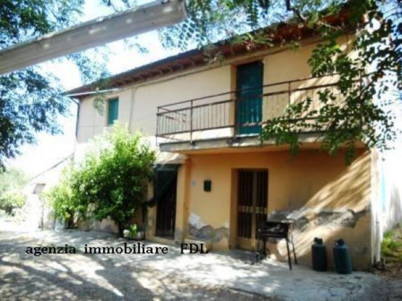 Rustico / Casale in vendita a Crespina Lorenzana, 6 locali, Trattative riservate | Cambio Casa.it