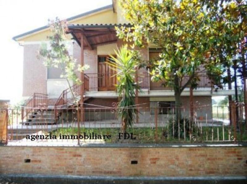 Soluzione Indipendente in vendita a Crespina Lorenzana, 6 locali, prezzo € 470.000 | Cambio Casa.it