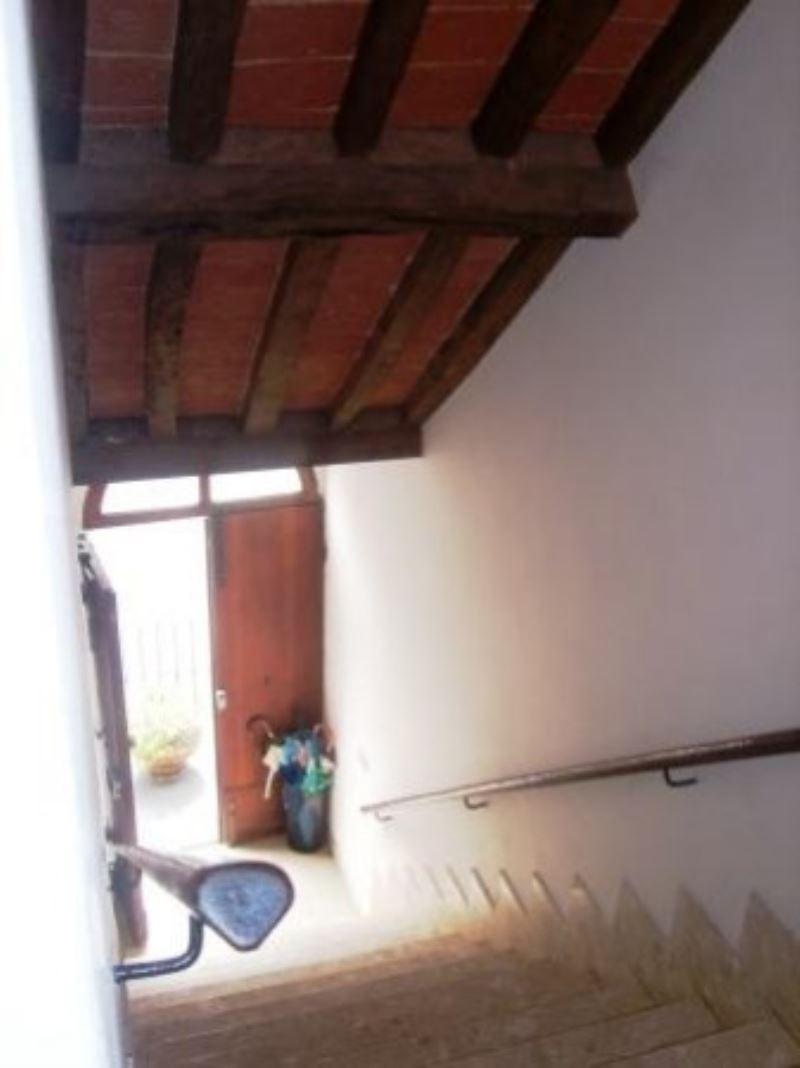 Appartamento in vendita a Terricciola, 6 locali, prezzo € 120.000 | Cambio Casa.it