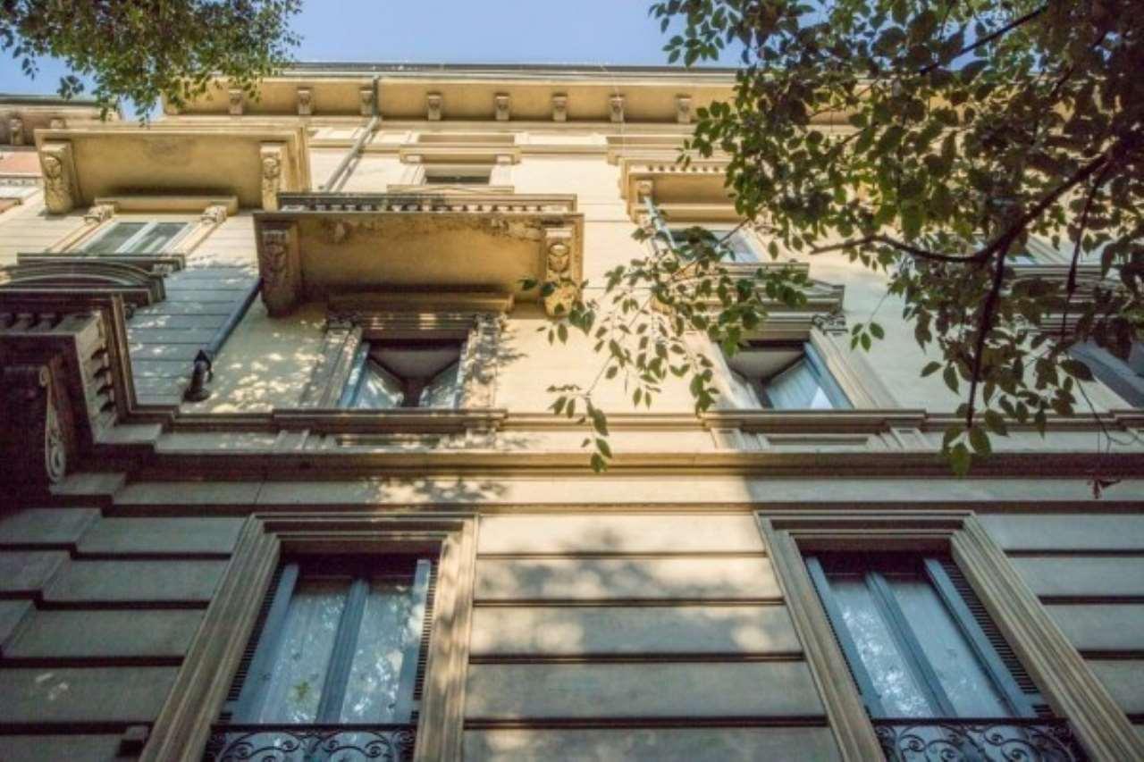Appartamento di lusso in vendita a milano via vincenzo for Vendita immobili di lusso milano