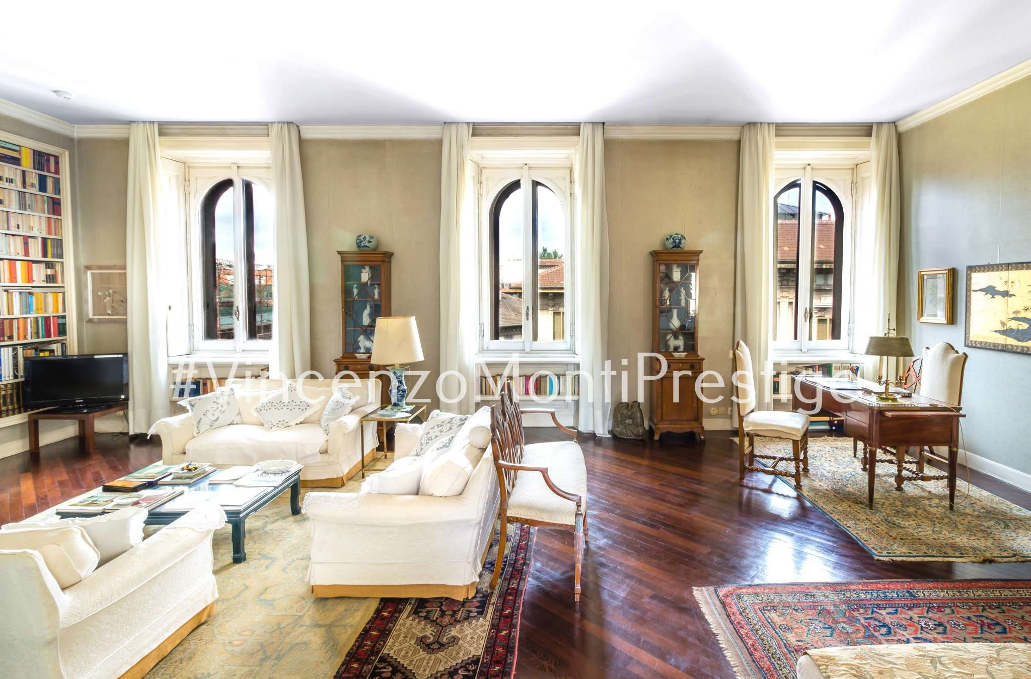 Appartamento di lusso in vendita a milano via ariosto for Case pregio milano