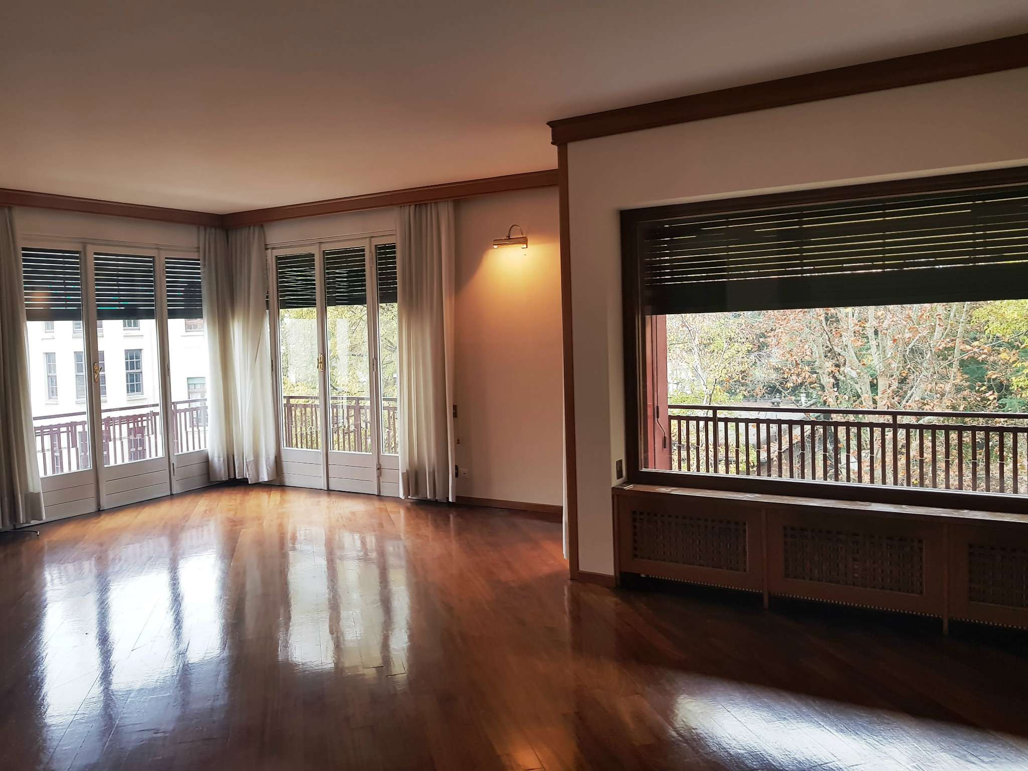 Appartamento in Affitto a Milano 08 Vercelli / Magenta / Cadorna / Washington: 5 locali, 250 mq