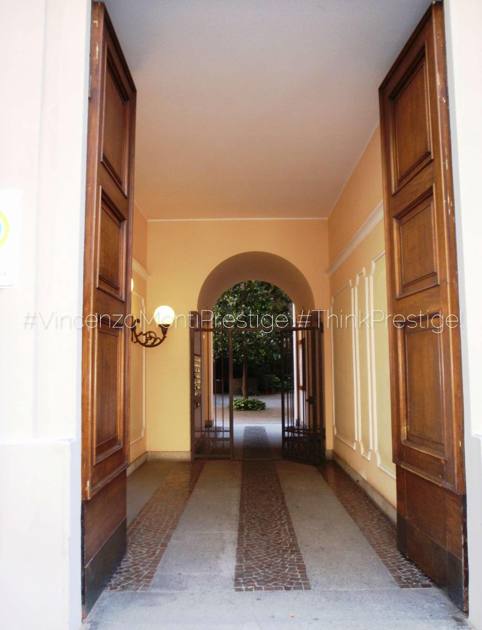 Appartamento in Vendita a Milano 08 Vercelli / Magenta / Cadorna / Washington: 2 locali, 75 mq