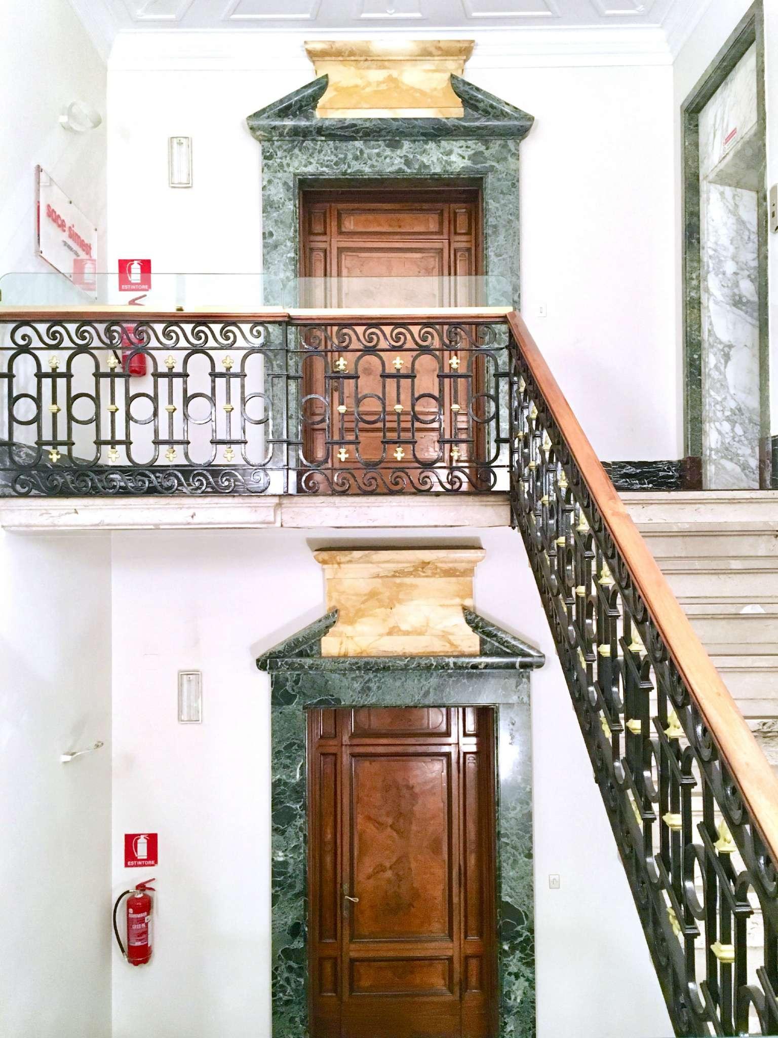 Milano Affitto STABILE / PALAZZO Immagine 4
