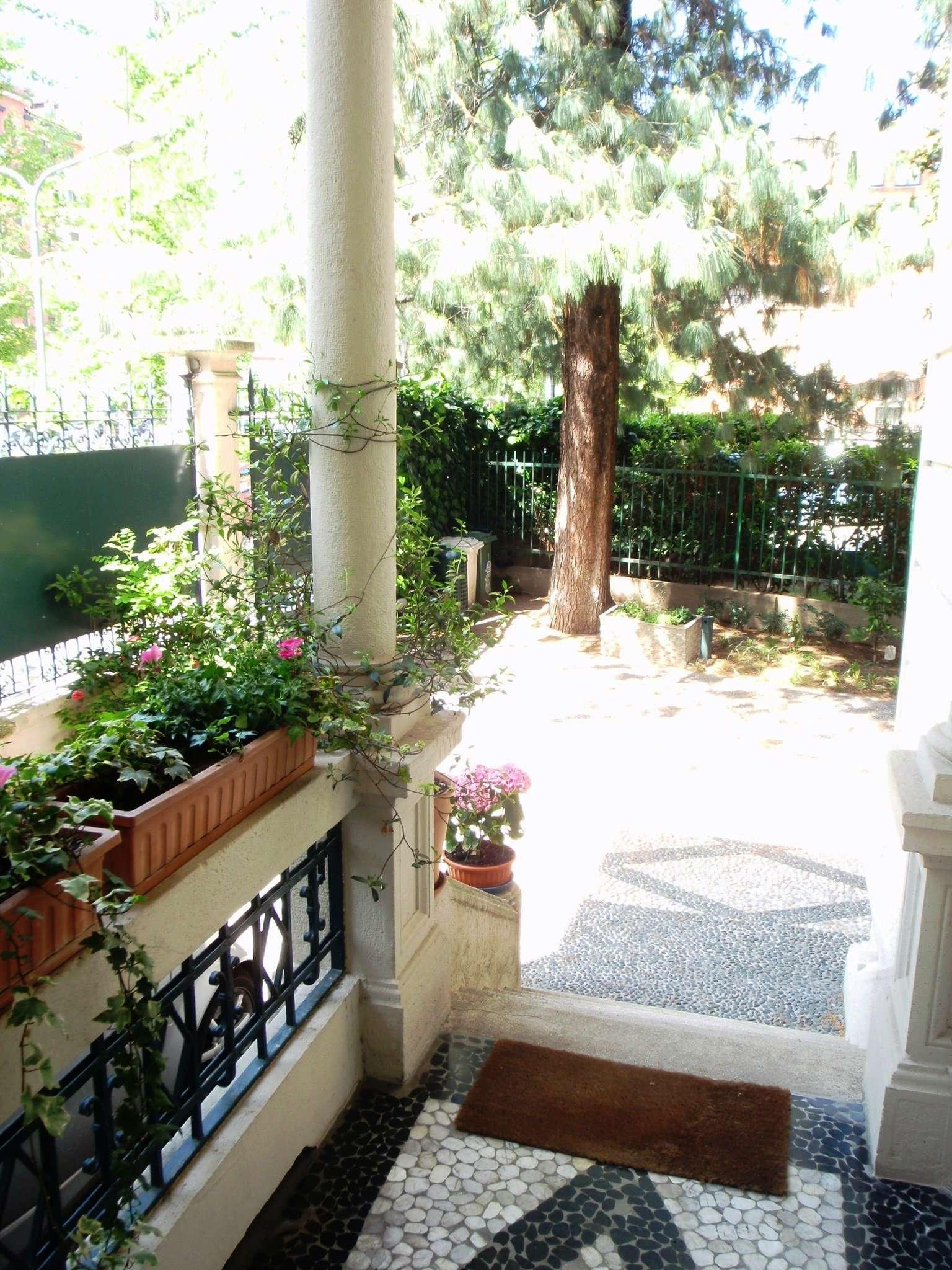 Villa in Vendita a Milano piazza giulio cesare